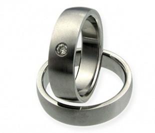 Aisha stone  - snubní prsteny z chirurgické oceli