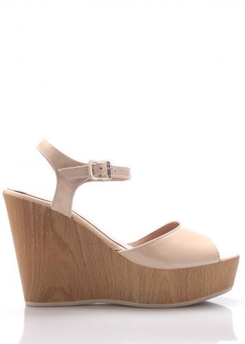 Béžové kožené sandály na klínku Maria Jaén 39