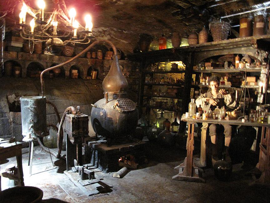 Le musée miniature et cinéma - le parfum