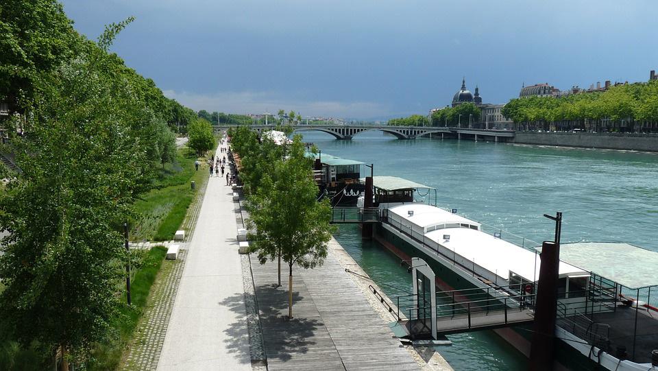 Les quais de Saône et du Rhône