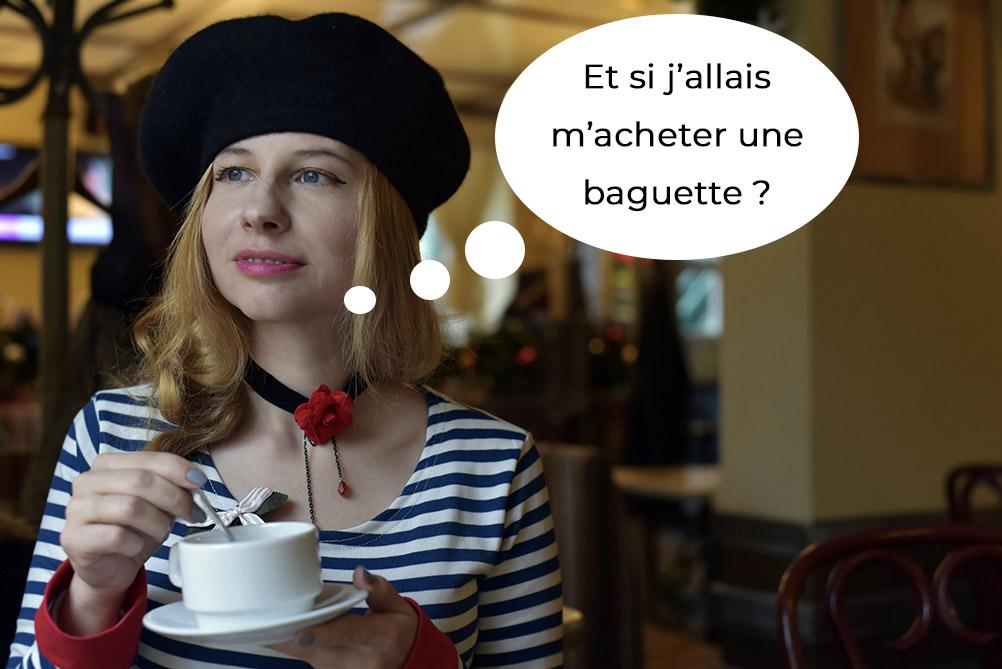 Français avec béret, marinière et baguette