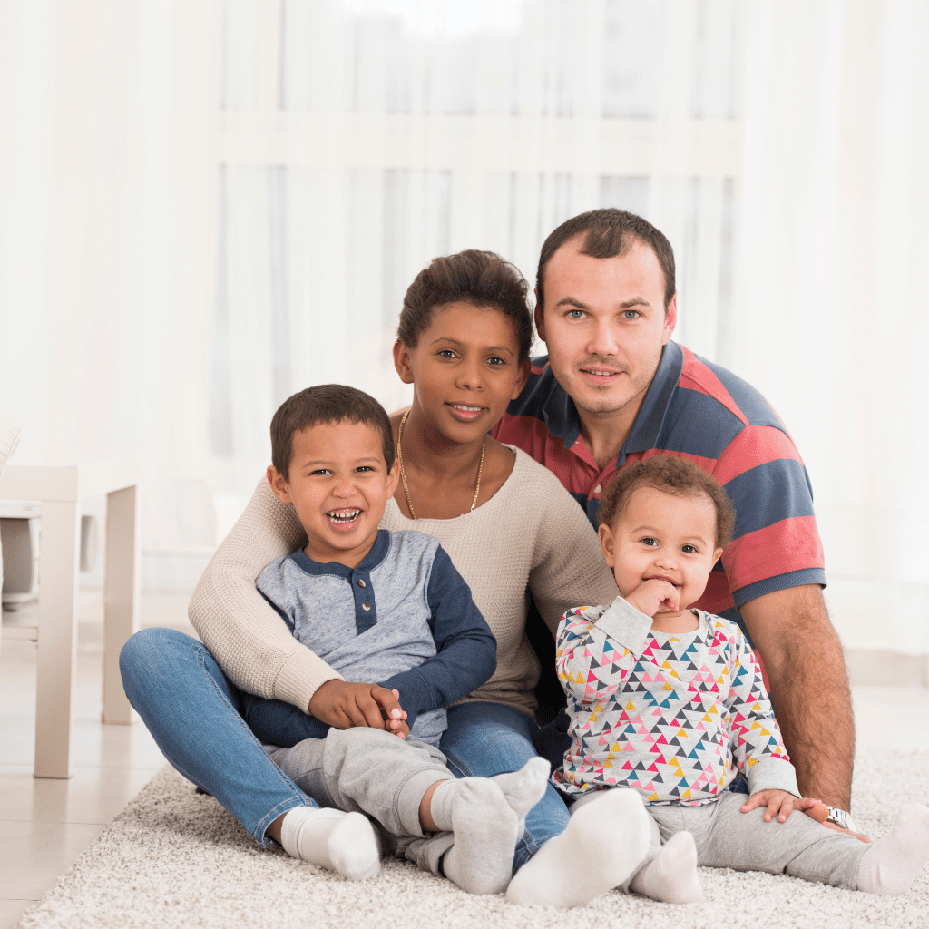 Stepfamily: one of the parents with one or more children from a first union with another person with whom the parent is in a couple, paired or married. This person may also have children from a first union.