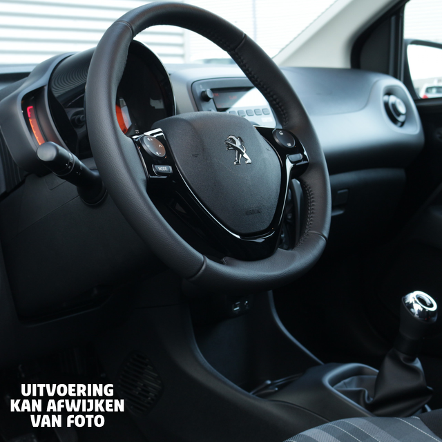 Peugeot 108 interieur private lease Vakgarage