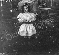 Petite fille au bouquet