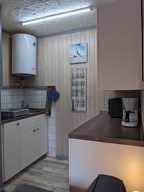 Küchenspühle mit zwei Cerankochfeldern (inkl. Kindersicherung)