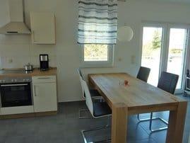 Esstisch im Küchen- Wohnbereich