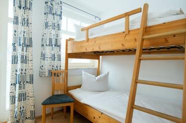 Zweites Schlafzimmer mit Etagenbett