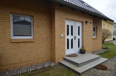 Haus Wohnung Nr 1 und 2 Eingangsbereich