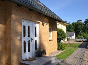 Eingang Ferienhaus Wohnung Nr 1 und 2