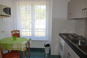Küche Wohnung Nr 4 mit Backofen und gr. Kühlschrank
