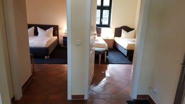 unsere Dreiraumwohnungen,  jeweils mit zwei separaten Schlafzimmern