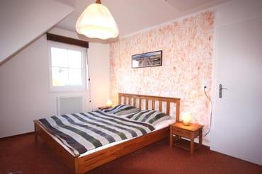 Schlafzimmer mit zusätzl. Schlafsofa
