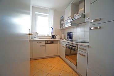 voll ausgestattete separate Küche