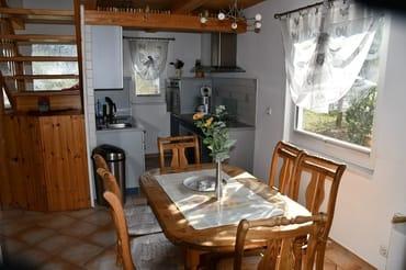 Eßbereich mit offener Küche