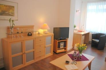 WLAN vorhanden, gemütliche eingerichtetes Wohnzimmer