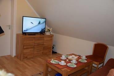 Wohnzimmer mit Blick zum Fernseher