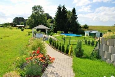 Außenanlage mit Pool