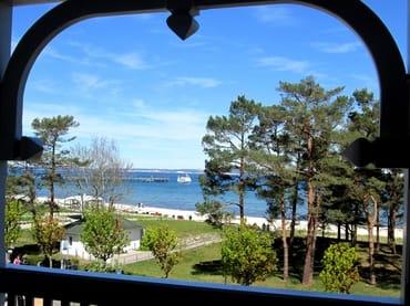 Blick vom Balkon aus: hier sommerlich