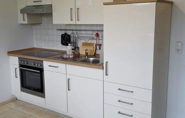 neue Küche mit Geschirrspüler