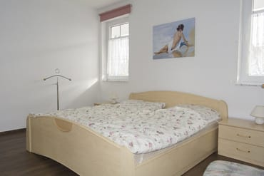 Haus Lotsenberg - Ferienwohnung Abendrot - Schlafzimmer