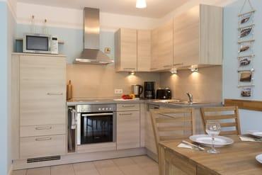 Sehr gut ausgestatteter Küchenbereich