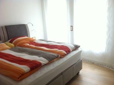 Schlafzimmer mit superbequemem Boxspringdoppelbett