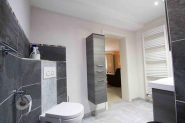 Badezimmer-Toilette
