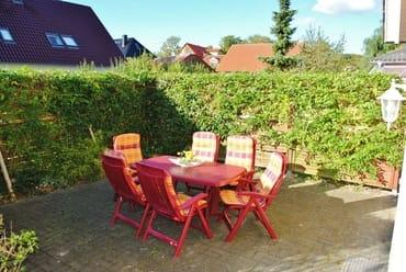 2. Sonnenterrasse 30 m² von der Küche aus