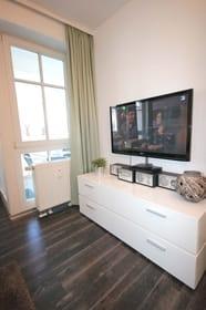 Zusätzlich können Sie einen Flat-TV, Stereoanlage und Blu-ray-Player nutzen.