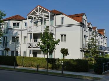 """Straßenansicht Wohnanlage """"Am Stadtwald"""""""