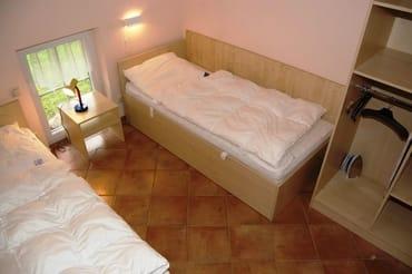 Schlafen EG , 2 Einzelbetten