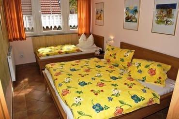Schlafen DG, Doppelbett und Einzelbett