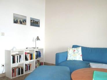 Kleine Bücherei mit Literatur - auch zum Tauschen -