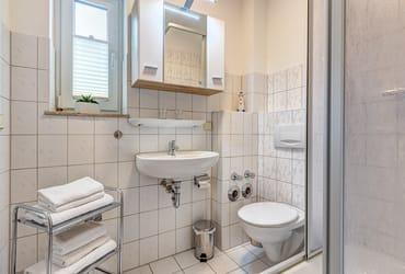 Bad mit Dusche/WC & Föhn