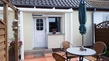 Separater Eingang mit Terrasse und Grillplatz