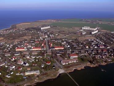 Erholungsort Dranske mit Bodden und Ostsee