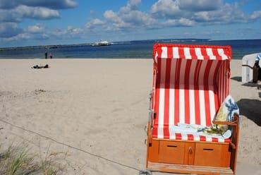 ein eigener Strandkorb steht kostenfrei am nahegelegenen Strandabgang zur Verfügung