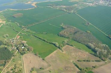 Luftbild von Volsvitz mit Gingst  im Bild oben