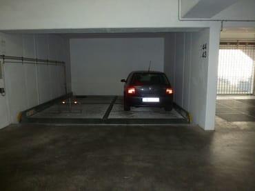 Stellplatz 44 in der Tiefgarage, max. Fahrzeughöhe 1,65 m