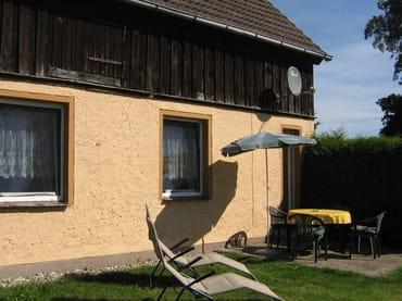 Terrasse mit Grünfläche