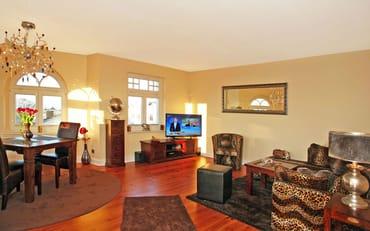 Wohnzimmer mit viel Platz (27 m²)
