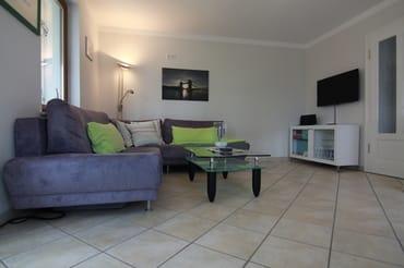 Wohnbereich mit TV (Kabel), Radio, BluRay, W-LAN in der Wohnung kostenfrei verfügbar