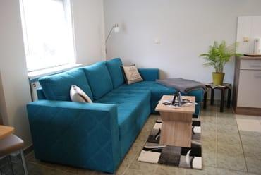 Wohnraum mit Schlafcouch ,zur Aufbettung