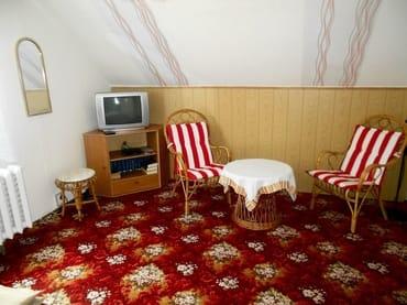 Im Schlafzimmer auch TV