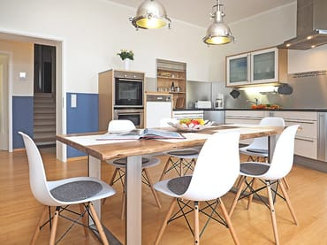 Hier werden Urlaubsträume wahr!  Auf 150 m² erwartet Sie ein exklusiv neu eingerichtetes 4-Raum-Appartement im Seemannslook: ...