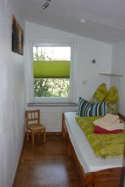 Zimmer 2 mit Einzelbett