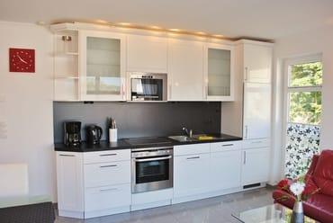 komplett eingerichtete hochwertige Küchenzeile