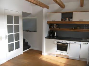 Küche mit Treppe Galerie
