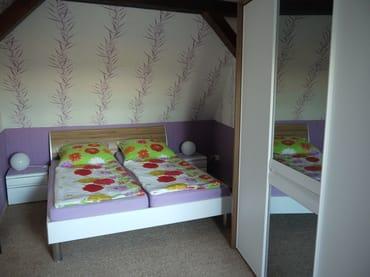 Schlafzimmer 2 im OG, Doppelbett 1,80x2,00m