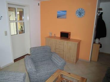 Wohnzimmer, Sideboard, Radio, Garderobe